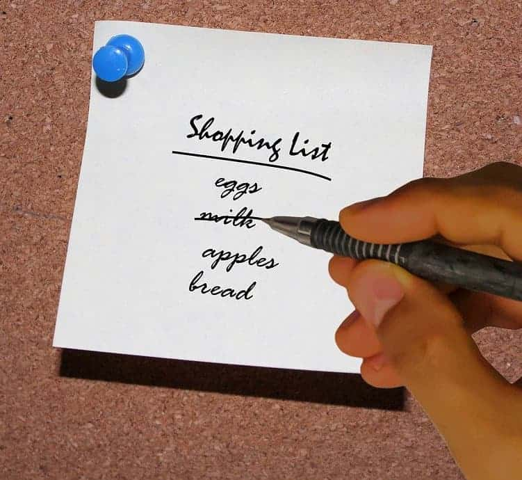 how to save money buying fruits an vegetables by making a shopping list