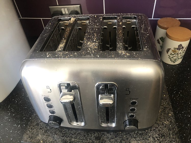 chrome toaster looking very dirty