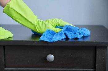 how to clean dust without spreading it