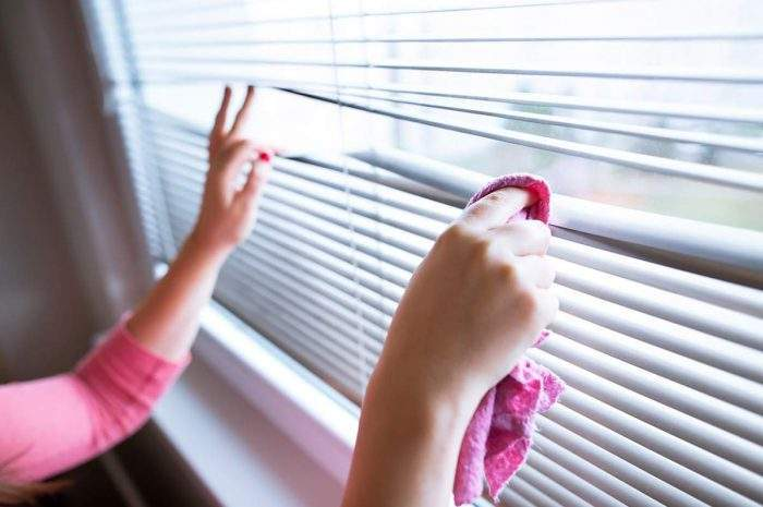 what is the easiest way to clean venetian blinds
