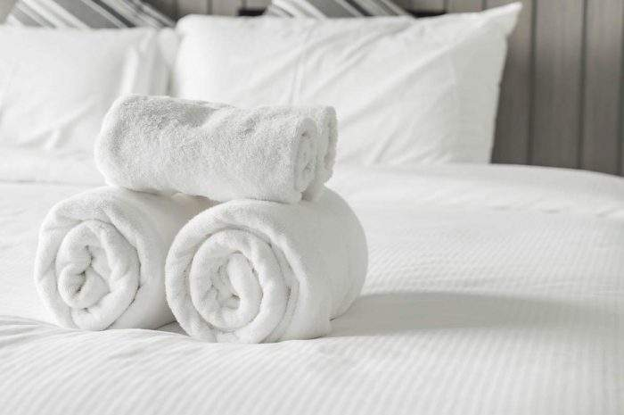 how do hotels keep their towels so white